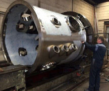 Machining a high pressure vessel in Stainless Steel